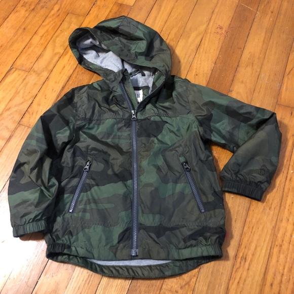 fd3dacb5ad01a GAP Jackets & Coats | Kids Camo Lightweight Rain Jacket Xs | Poshmark
